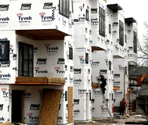 Apartment building construction by Tom Bauer/Missoulian